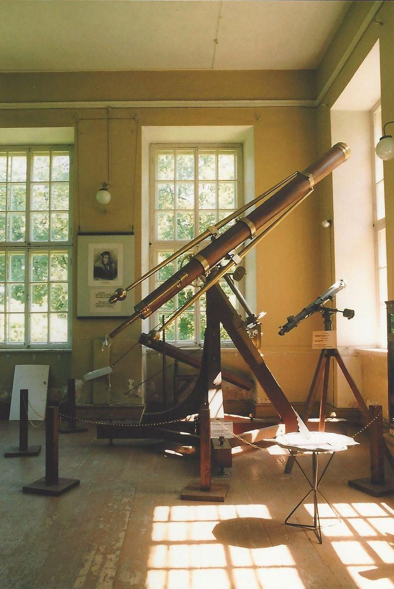 TeleskopSternwarteTartuvon1824.jpg